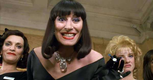 Frame do filme Convenção das Bruxas (The Witches, 1990) com Angelica Houston e produção de Jim Henson