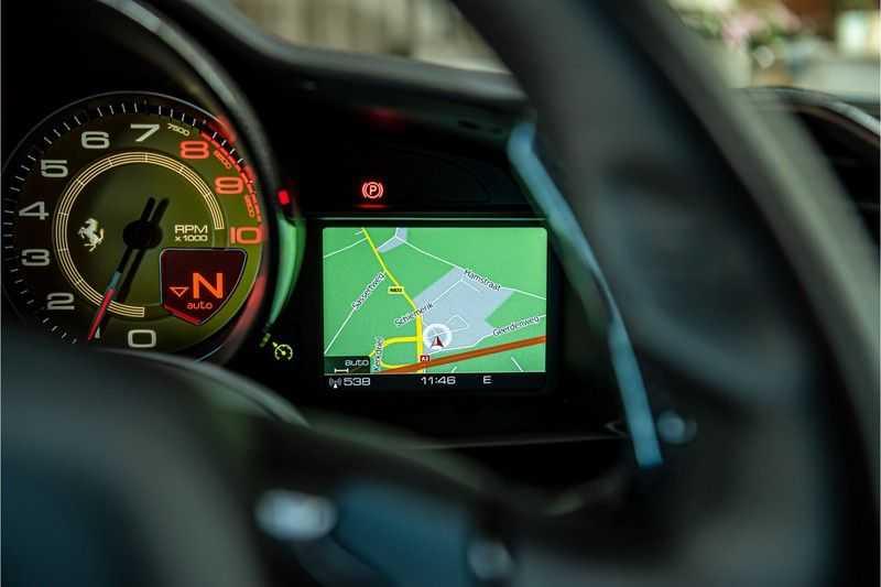 Ferrari 488 3.9 GTB HELE | Carbon | Passenger Display | Lifting | NP350.000,- afbeelding 6