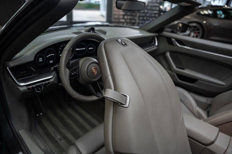 Porsche 911 992 4S Cabrio Unieke Kleurstelling Sport Design Pakket Matrix Carbon 3.0 Carrera 4 S afbeelding 12
