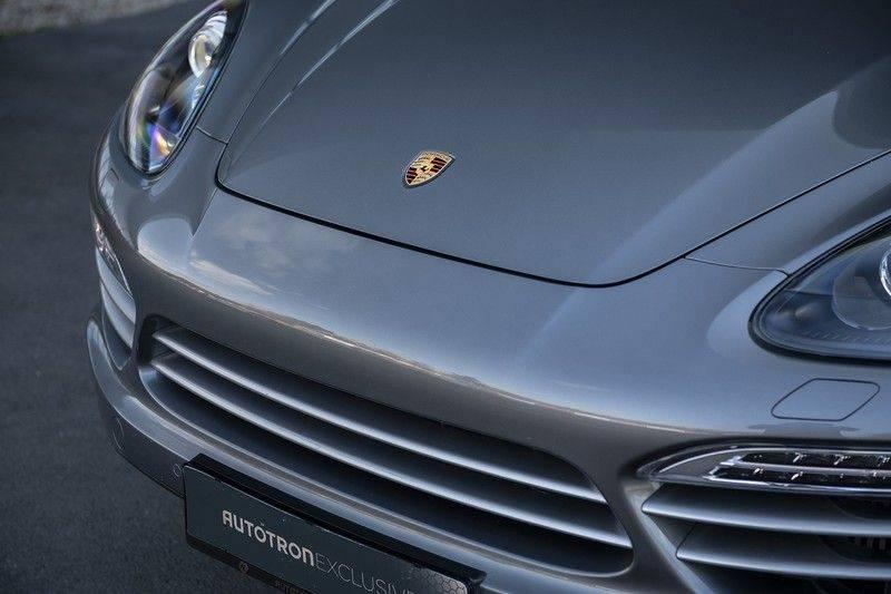 Porsche Cayenne 3.0 D Platinum Edition Org. Ned. + Dealer onderhouden + Sportchrono + Stuur/ Stoel verwarming+ Stoel koeling + Bose afbeelding 9