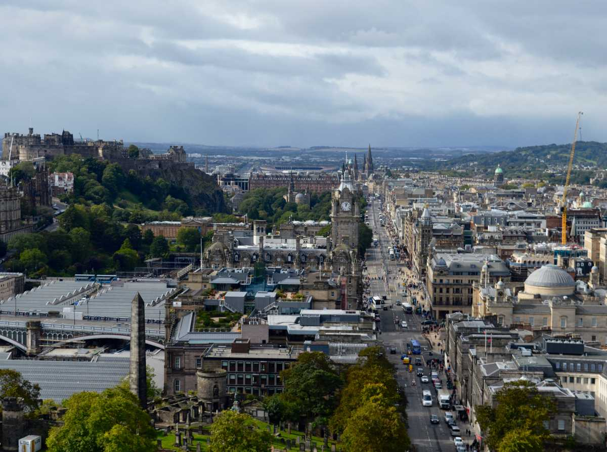 Planning to move to Scotland? Even though the country's average rainfall might intimidate at first, there are plenty of reasons to move to here. A rich culture, wild nature, and friendly people make Scotland perfect.