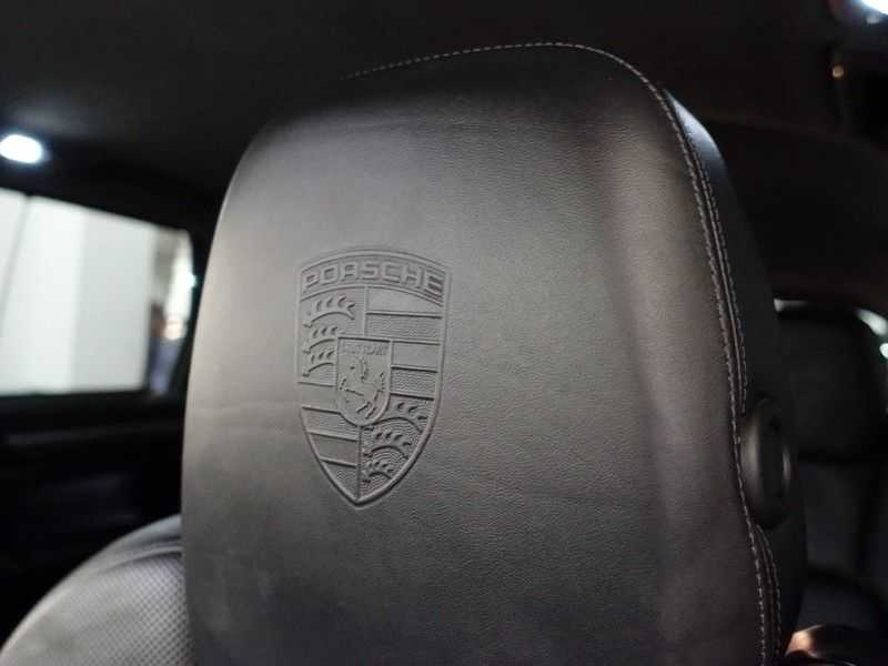 Porsche Cayenne 4.8 Turbo 500pk Designo Tiptr. Aut- Schuifdak, Leer, Sport Chrono, Akrapovic afbeelding 11