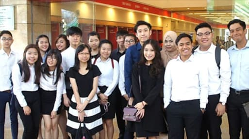 Malaysia: Learning more about banking at OCBC...