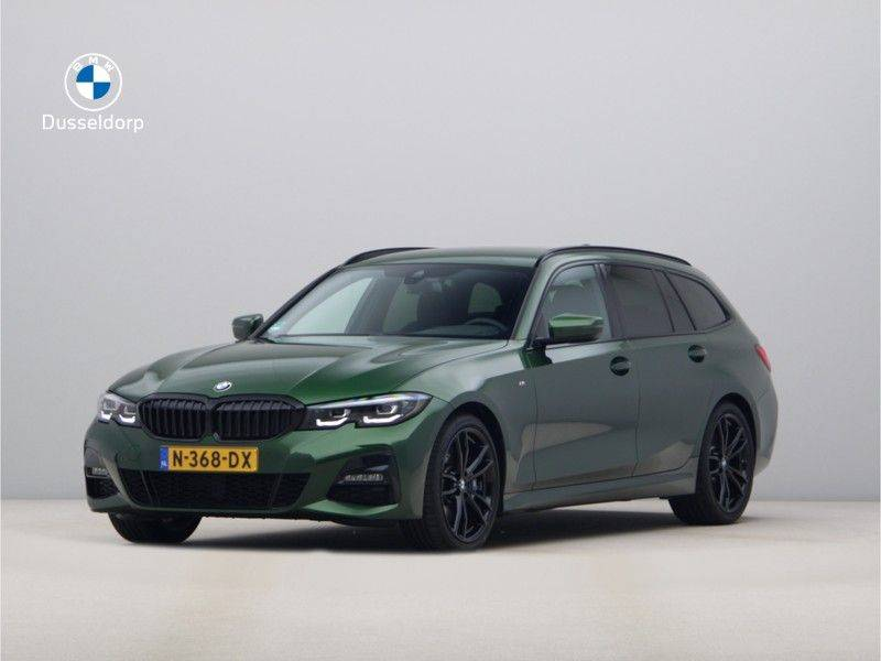BMW 3 Serie 320i Touring Executive Edition M-sport afbeelding 1