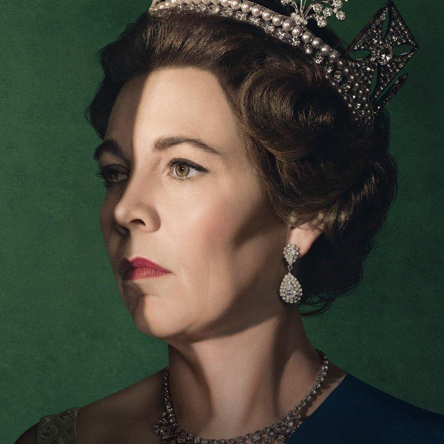 Оливия Колман в роли королевы Елизаветы II. Источник: twitter.com/TheCrownNetflix