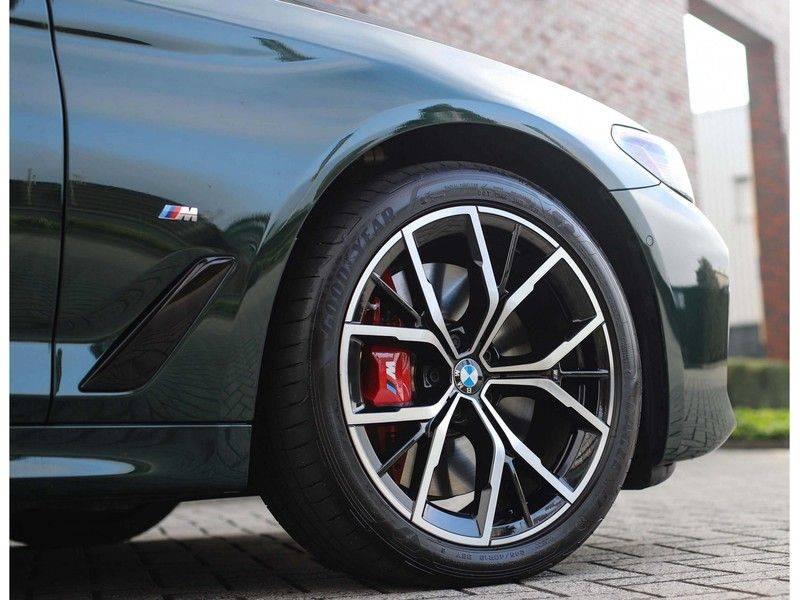 BMW 5 Serie 540i x-Drive *British Racing Green*HUD*Pano*Trekhaak* afbeelding 19