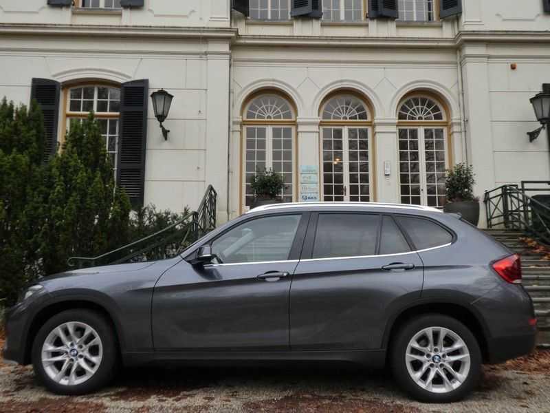 BMW X1 sDrive20i afbeelding 14