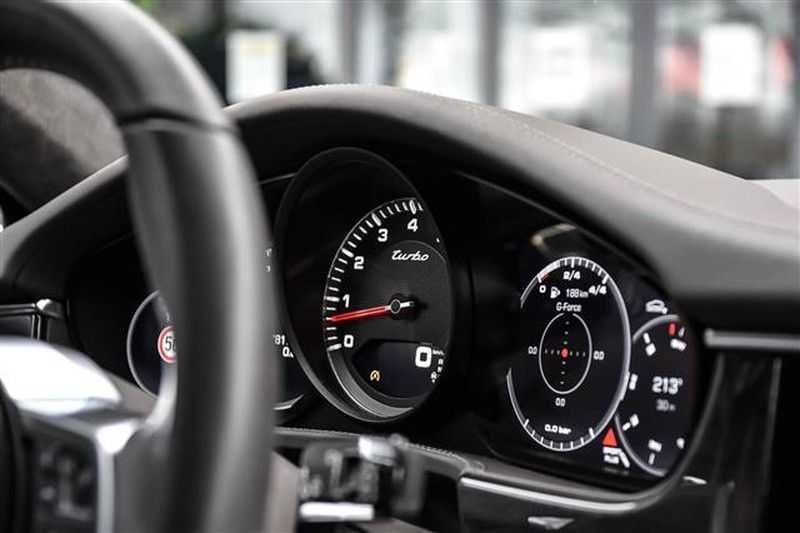 Porsche Panamera TURBO EXECUTIVE SPORTDESIGN+PCCB+MASSAGE NP.259K afbeelding 9