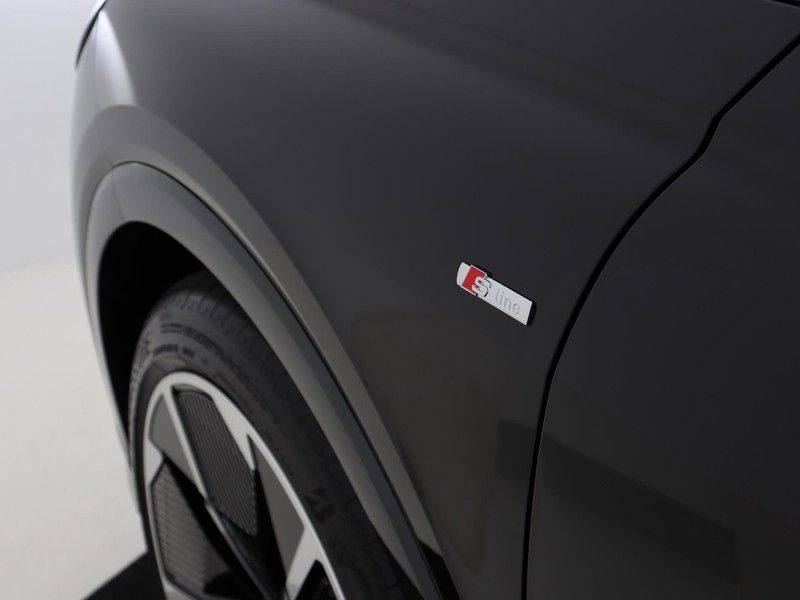 Audi Q4 40 e-tron Launch edition S Competition | Panoramadak | Lederen bekleding | Sonos | Head-up display afbeelding 21