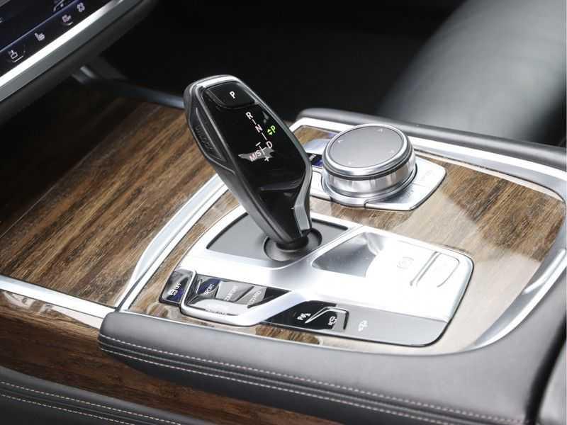 BMW 7 Serie 750i xDrive High Executive M-Sport afbeelding 16