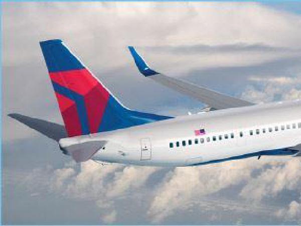 꼬리무는 항공기 사고…델타항공 연기나 대피소동