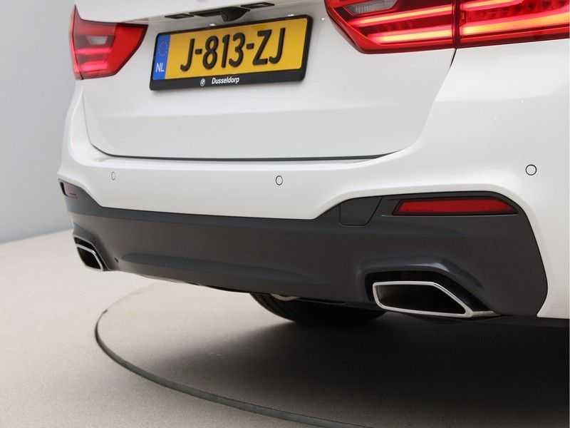 BMW 5 Serie Touring 520d High Executive M-Sport Aut. afbeelding 19