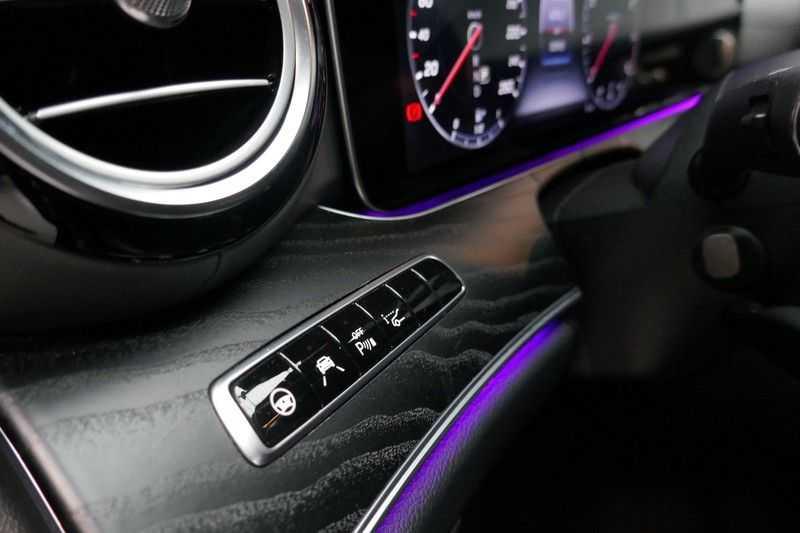 Mercedes-Benz E-Klasse Estate 400 4MATIC AMG Line - Designo afbeelding 16