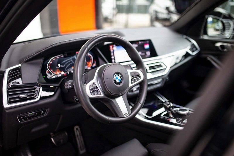 BMW X5 xDrive30d High Executive *M Pakket / Laser / Pano / HUD / Keyless / Trekhaak* afbeelding 7