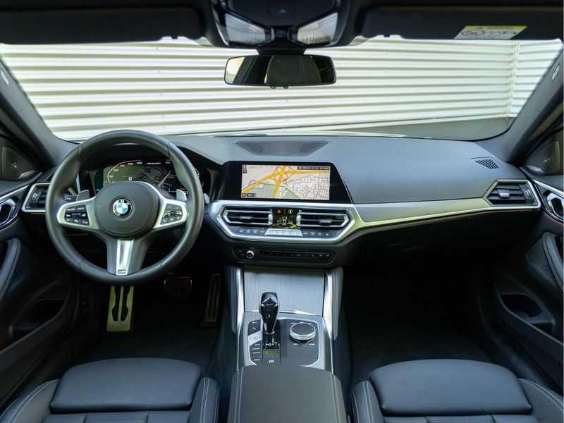 BMW 4 Serie Coupé M440i xDrive - High Executive - Dak - ACC - Harman Kardon afbeelding 16