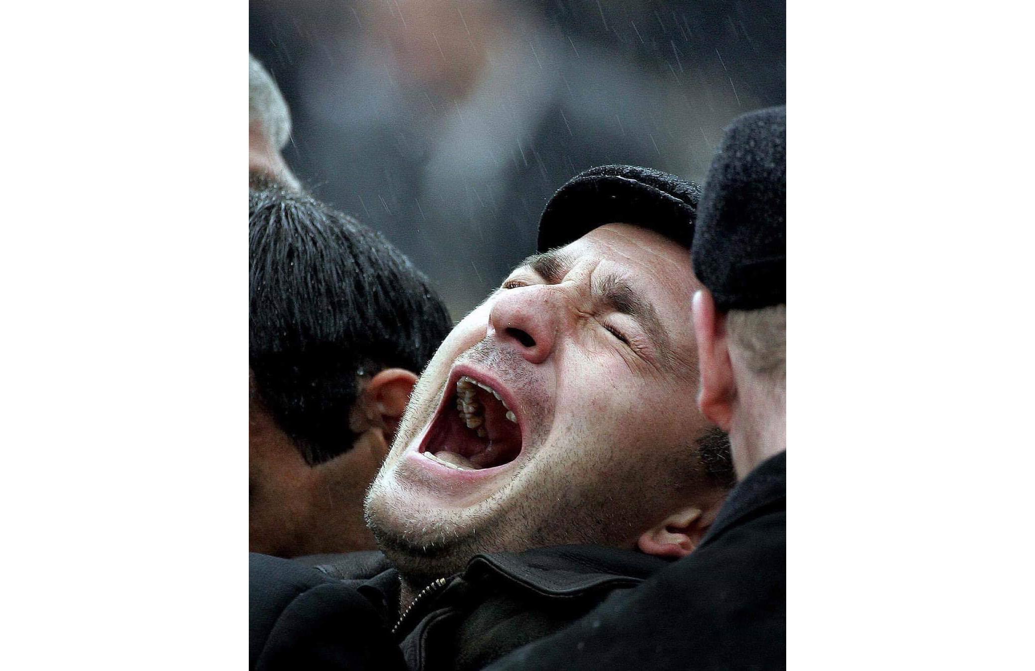 Беслан, похороны. 2004год. Фото: Максим Мармур