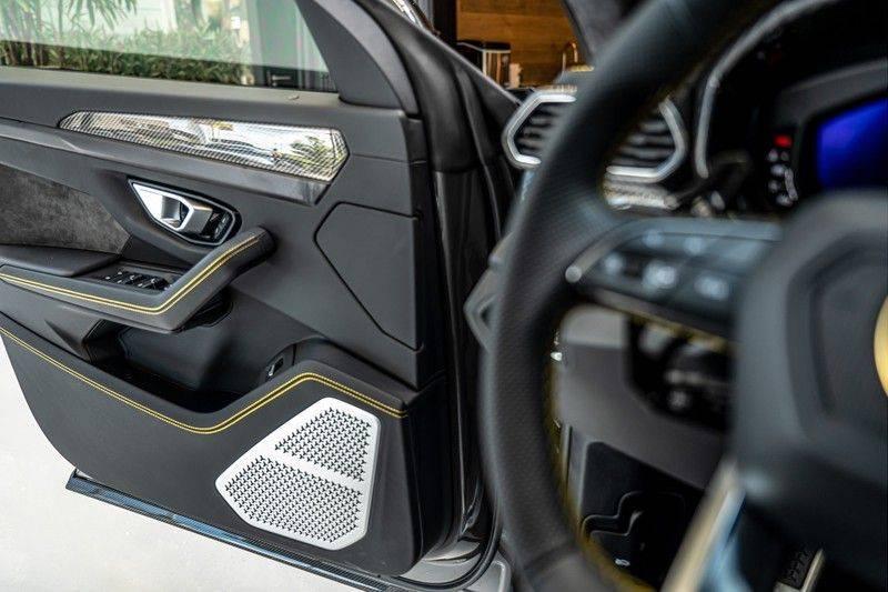 Lamborghini Urus 4.0 V8   Carbon interieur   Carbon exterieur   B&O 3D   Head-Up Display   Panorama   Massage   Ventilatie afbeelding 14