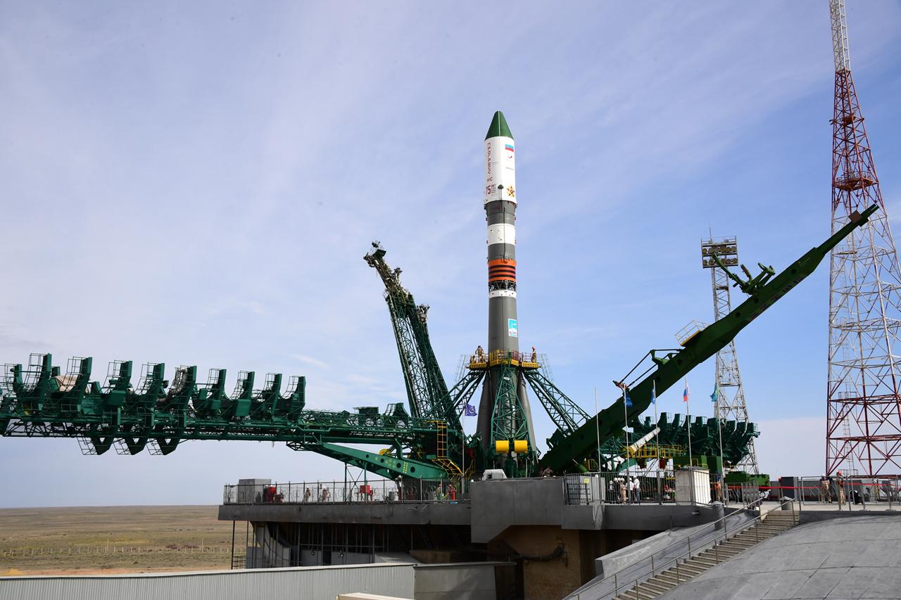 Imaginea 1: Racheta Soyuz-2.1a, înaintea lansării navei cargo Progress MS-14 spre Stația Spațială Internațională. Sursa foto: NASA