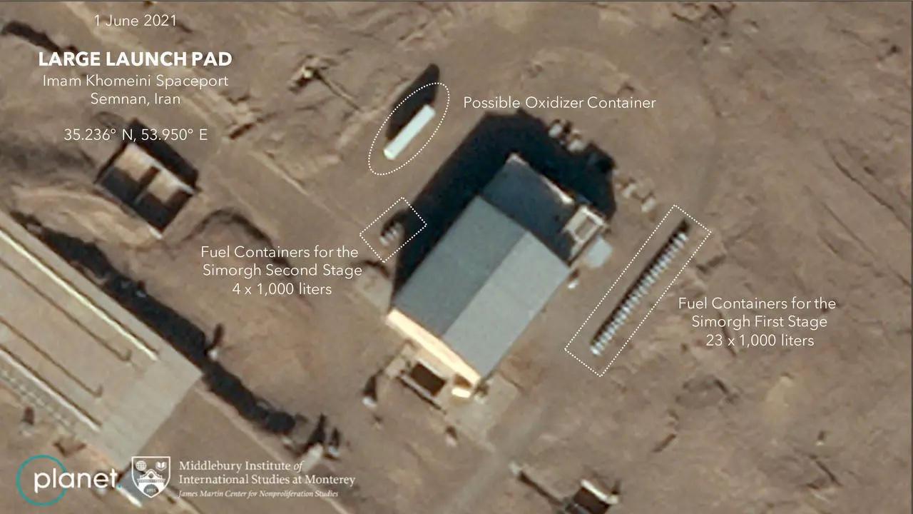 Imaginea 1: Imagine cu rampa de lansare de la centrul spațial Semnan din Iran, surprinsă de un satelit de observație comercial (Dove), al companiei Planet.