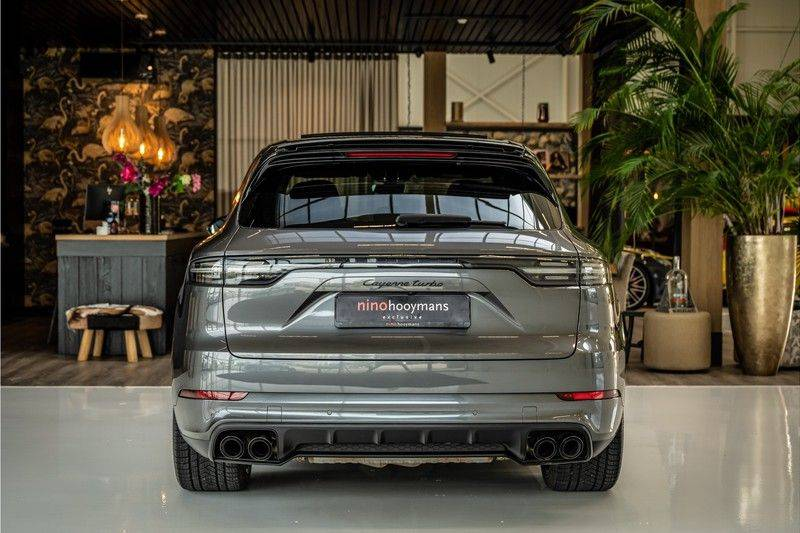 Porsche Cayenne 4.0 Turbo   Head-Up   Carbon   Panorama   3D Camera   BOSE   Trekhaak   Afwijkende stikselkleur   Stoelventilatie   NP 252.000! afbeelding 4