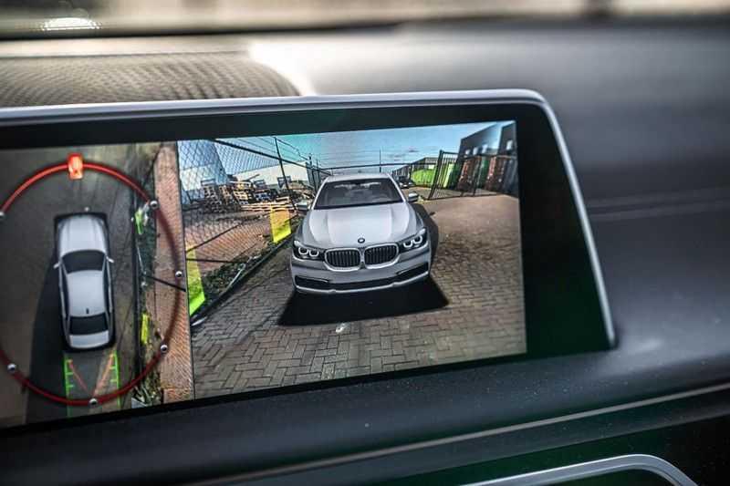 BMW 7 Serie 740e iPerformance M sport | €49.000,- Ex BTW| NP€135.000,-| Massagestoelen | Soft close | 20 inch | Surround view | Harman kardon afbeelding 6