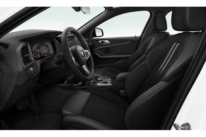 BMW 1 Serie 118i Executive Edition Sport Line afbeelding 4