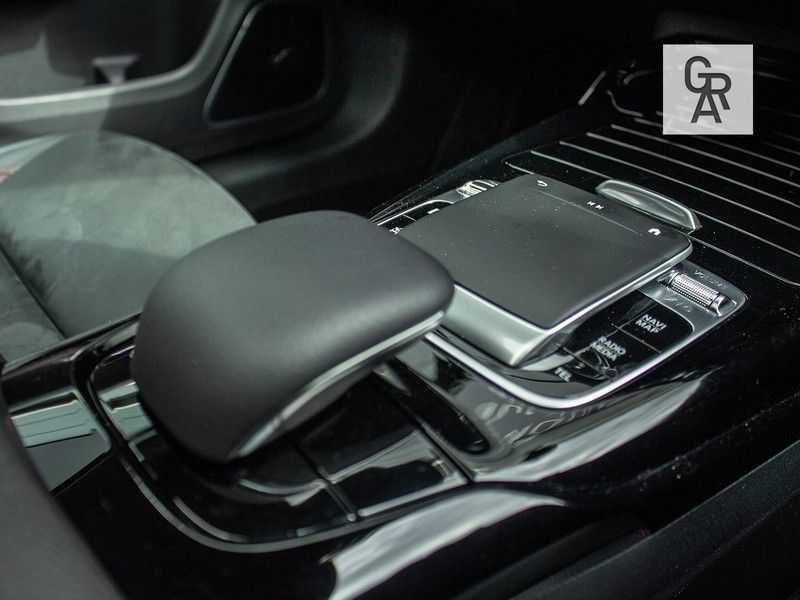 Mercedes-Benz A-Klasse A35 AMG AKRAPOVIC 4MATIC Advantage 370 PK afbeelding 18