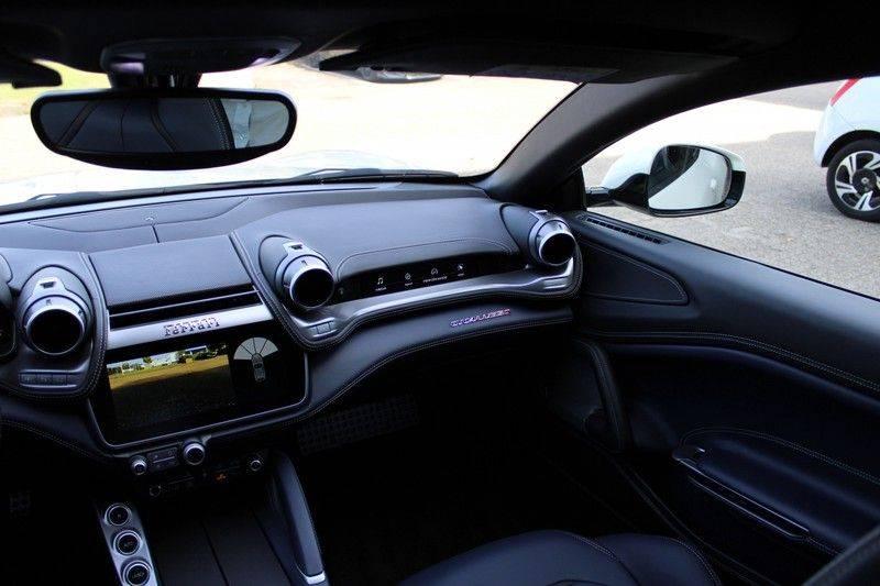 "Ferrari GTC4 Lusso 6.3 V12 2 years Ferrari warranty, HELE, Apple Carplay, Passenger Display, JBL, Pano, 20"" afbeelding 16"