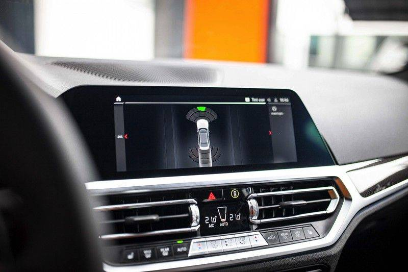 BMW M3 Competition G80 *HUD / M Driver's Pack / Laser / Keramisch / Harman-Kardon / Schaalstoelen* afbeelding 15