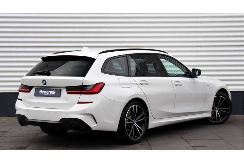 BMW 3 Serie Touring 330i Executive M Sport Adaptieve Cruise Control, HiFi System, DAB afbeelding 13