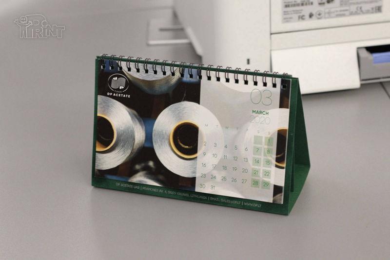Staliniai pastatomi su specialia pop. kalendoriai