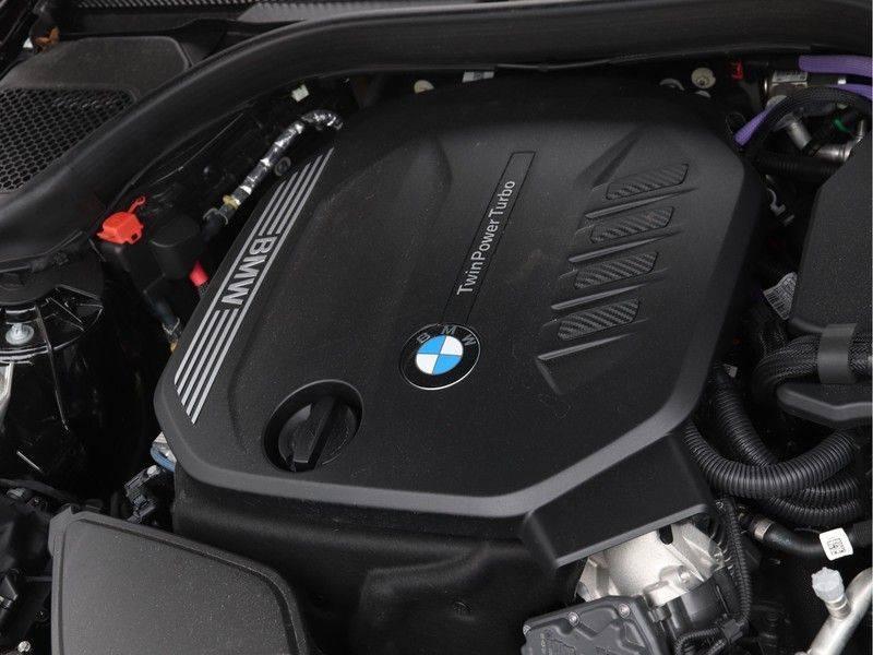 BMW 5 Serie 520d Sedan High Exe M-Sport afbeelding 4
