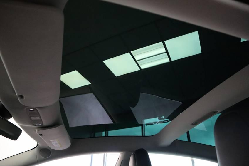"Tesla Model 3 Long Range | prijs ex.btw 43.760,- | FSD! Rood Zwart Navigatie 18""LM 4% Bijtelling Privacy glas 351 PK! afbeelding 13"