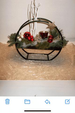 Rond ijzerenframe kerststuk