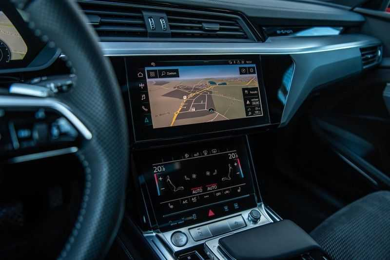 Audi e-tron 55 Quattro Advanced Exterieur, 408 PK, 4% bijtelling, Head/Up display, Pano/Dak, Night/Vision, S-line interieur, 15DKM afbeelding 2
