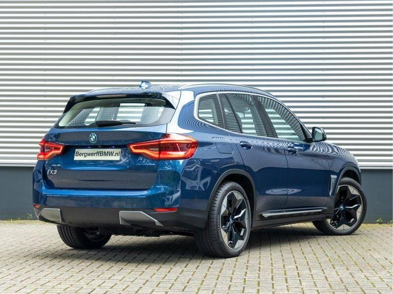 BMW iX3 High Executive - Direct Beschikbaar! afbeelding 2