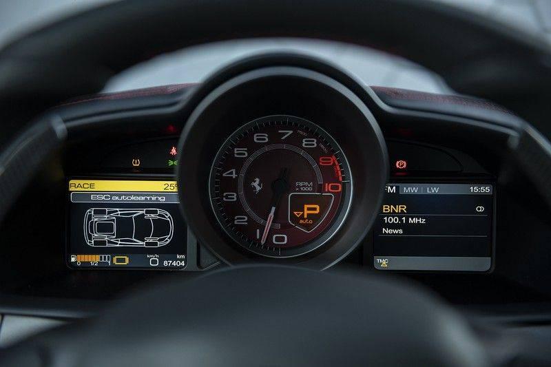 Ferrari 458 4.5 V8 Italia New Power Garantie T/M 12-03-2022, Carbon Sport Seats, Custom Exhaust, Carbon exterieurdelen afbeelding 16