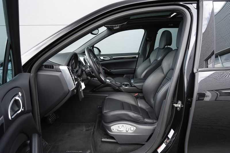 "Porsche Cayenne 3.0 D Facelift Sport Design Sportchrono + stoelen Pano 21"" afbeelding 5"
