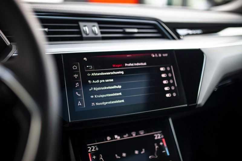 "Audi e-tron Sportback 50 Quattro S Edition *Pano / HUD / 21"" / Stad Pakket / DAB* afbeelding 16"