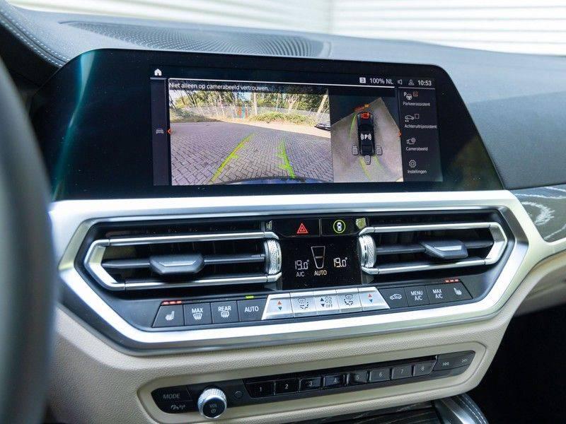 BMW 4 Serie Coupé M440i xDrive - High Executive - M-Remmen - Harman Kardon - Driving Ass Prof afbeelding 24
