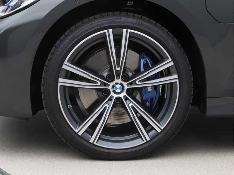 BMW 3 Serie Touring 320e High Exe M-Sport afbeelding 18