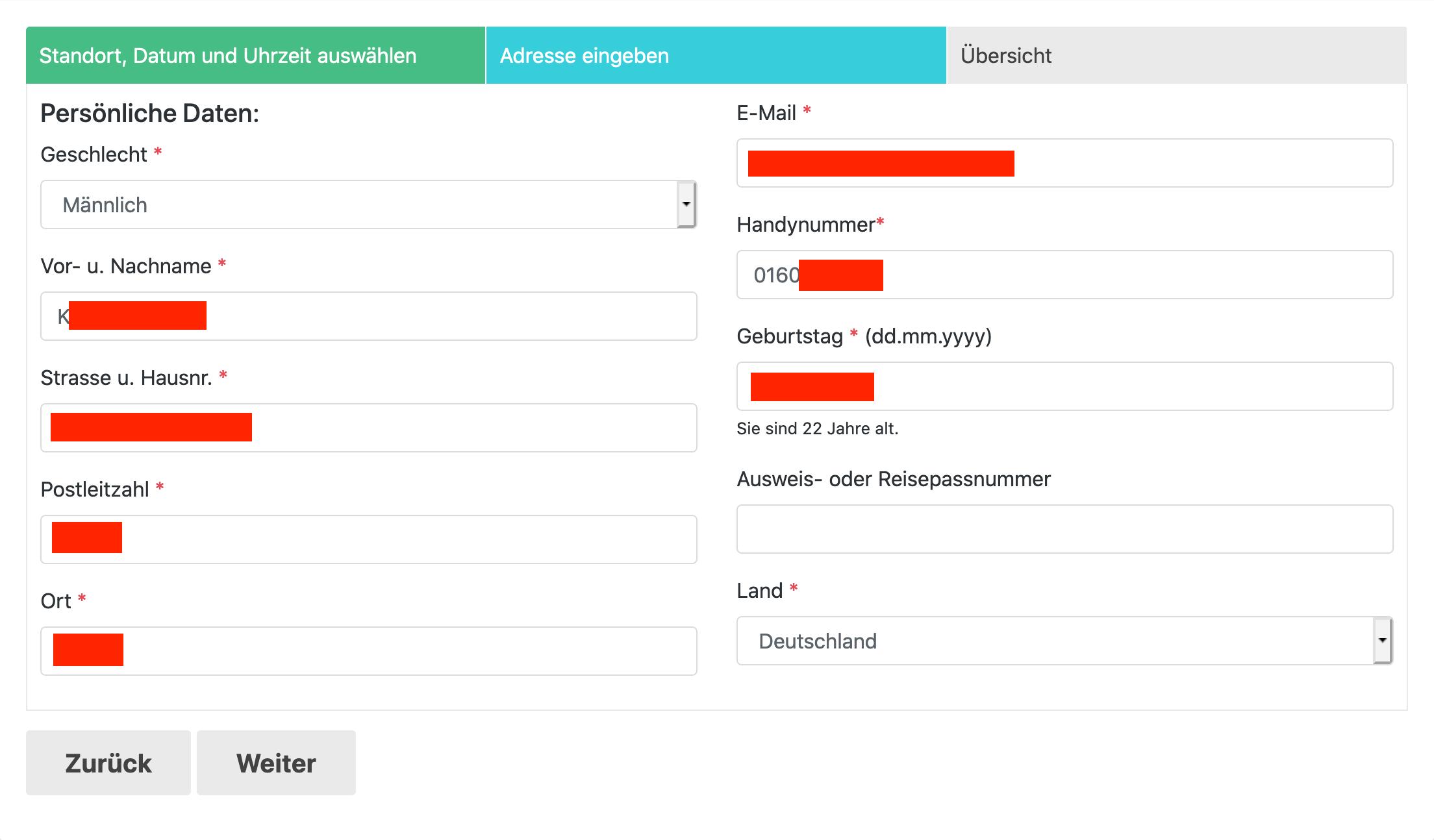 Buchungsseite mit vorausgefülltem Formular voller persönlicher Daten