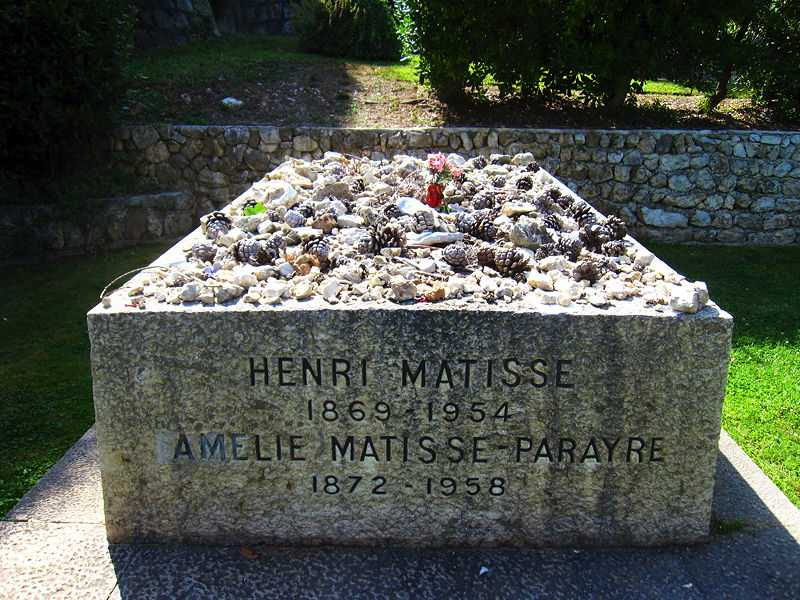 Tombstone of Henri Matisse and his wife Amélie Noellie at the cemetery of the Monastère Notre Dame de Cimiez, Cimiez, France (© Jajabis, CC BY-SA 3.0)