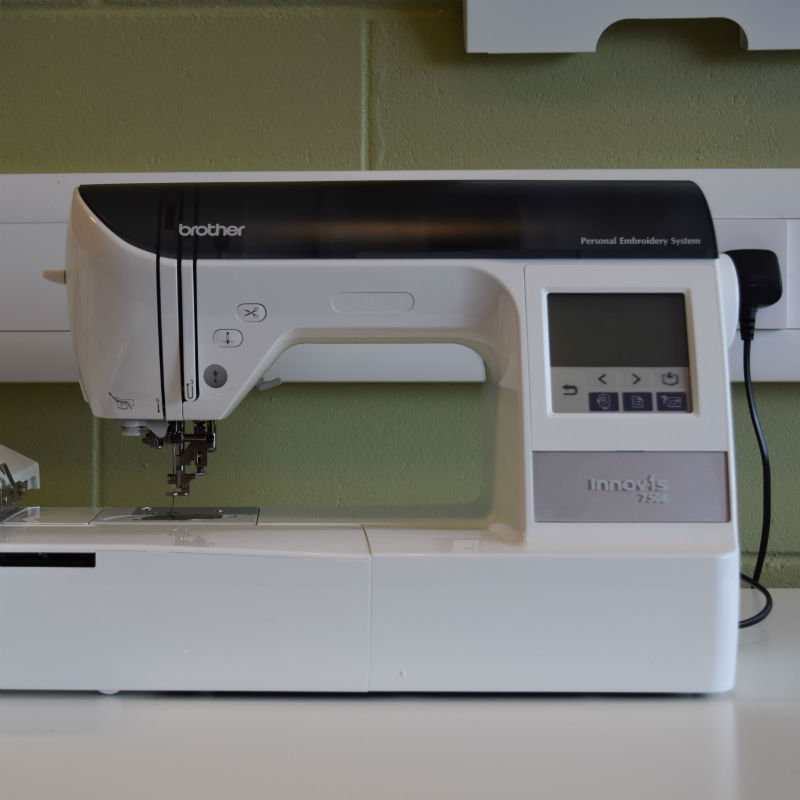 Brother Innov-Is 750w Embroidery Machine
