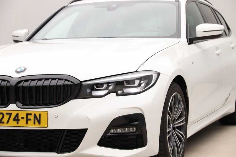 BMW 3 Serie Touring 320i Executive M Sport Aut. afbeelding 14