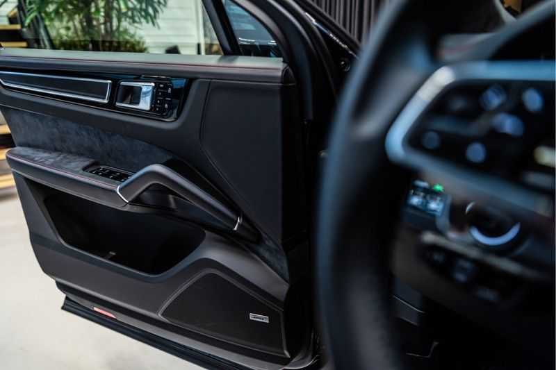 Porsche Cayenne Coupé 4.0 GTS | Head-up-Display | BOSE | Adaptieve luchtvering afbeelding 10
