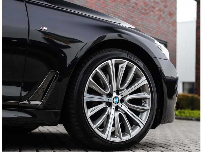 BMW 7 Serie 750d xDrive *M-sport*Head-Up*Asistant Plus* afbeelding 10