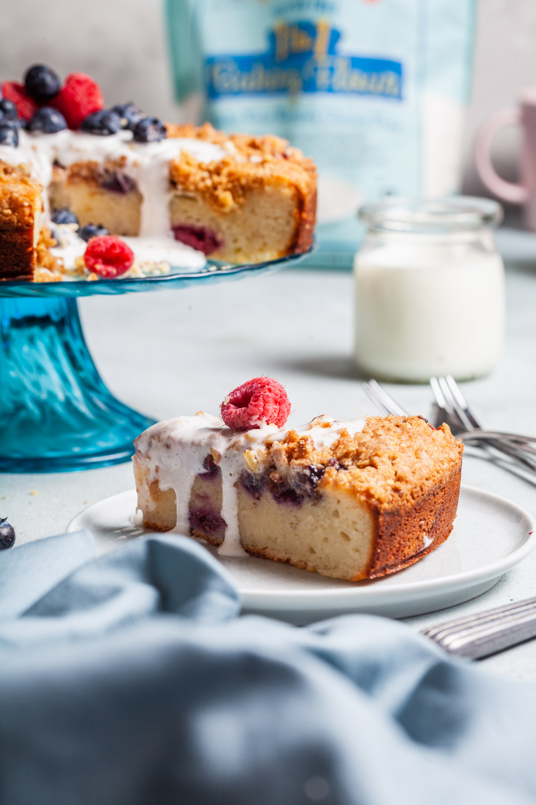 Greek Yoghurt Berry Breakfast Cake