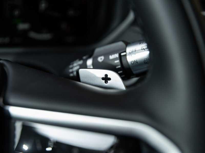 "Land Rover Range Rover Velar 2.0 P400e R-Dynamic SE HUD, ACC, 21"", PANO afbeelding 19"