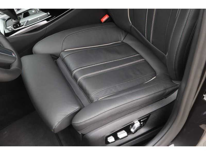 BMW 5 Serie Touring 520i High Executive Edition afbeelding 18